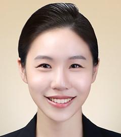 김윤진 11